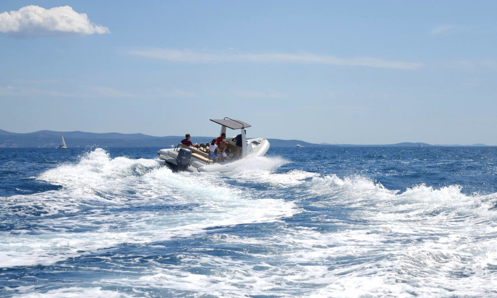 speedboat-tours_01